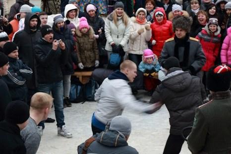 Масленица в Новосибирске. Кулачный бой в Берёзовой Роще. Фото: Сергей Кузьмин/Великая Эпоха (The Epoch Times)