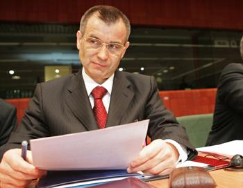 Глава МВД России Рашид Нургалиев предложил гражданам принять активное участие в подготовке нового закона
