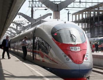 Билеты на поезда дальнего следования в России будут продавать в кредит. Фото: -/AFP/Getty Images
