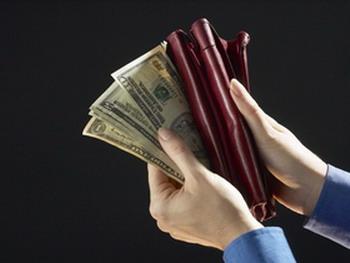 Исследования  в различных странах  показали, что не существует  корреляции между увеличением уровня доходов и счастьем людей. Фото с сайта Photos.com