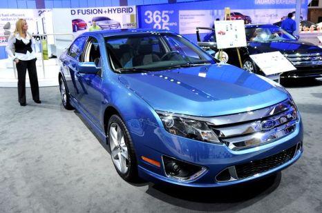 Ford Fusion Hybrid,прошлогодний победитель в номинации Североамериканский легковой автомобиль