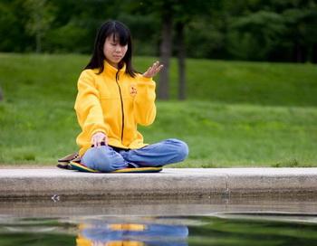Краткая медитация может усилить концентрацию. Фото: