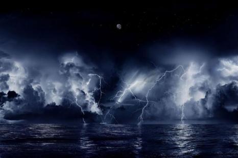 Устье реки Кататумбо в Венесуэле почти постоянно освещается молниями. Местные жители прозвали это явление «рекой огня в небе». Фото: Wikimedia Commons