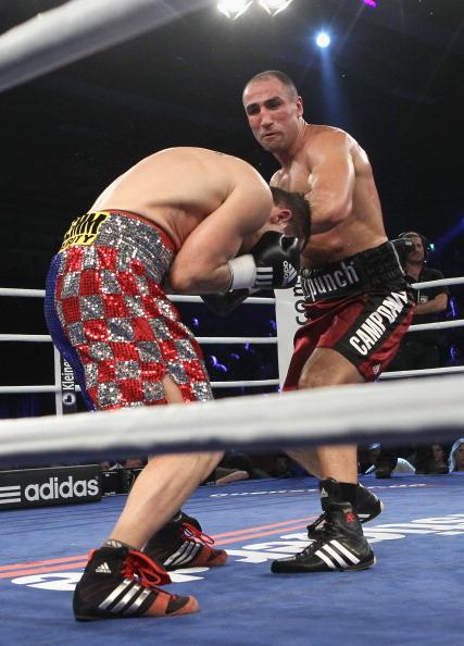 Артур Абрахам победил  Степана Божича на боксерском ринге в Германии. Фоторепортаж. Фото: Christof Koepsel/Bongarts/Getty Images