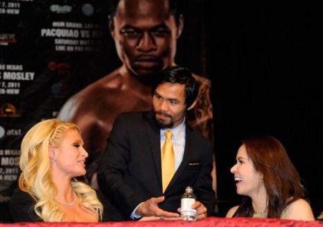 Пэрис Хилтон  посетила в Лас-Вегасе бой Мэнни Пакьяо с Шейном Мозли. Фоторепортаж из MGM Grand  отеля. Фото: Ethan Miller/GABRIEL BOUYS/AFP/Getty Images