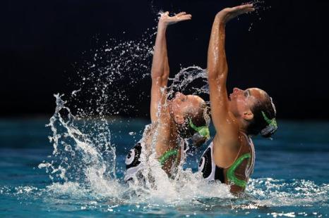 Синхронное плавание. Выступление соло и дуэтов на чемпионате Европы-2012. Фоторепортаж из Эйндховена. Фото: Clive Rose/Getty Images