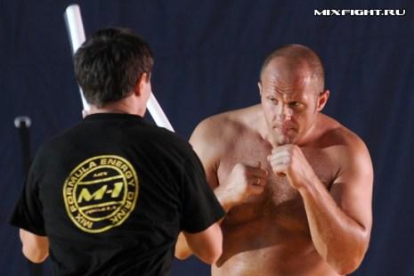 Улучшение навыков ведения боя в стойке. Фото с сайта mixfight.ru