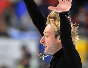 Евгений Плющенко завоевал золото на чемпионате Европы в Таллине