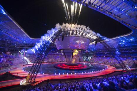 Церемония открытия 27-й всемирной студенческой Универсиады прошла на стадионе «Казань-Арена» 7 июля 2013 года в Казани. Фото: MIKHAIL KLIMENTYEV/AFP/Getty Images