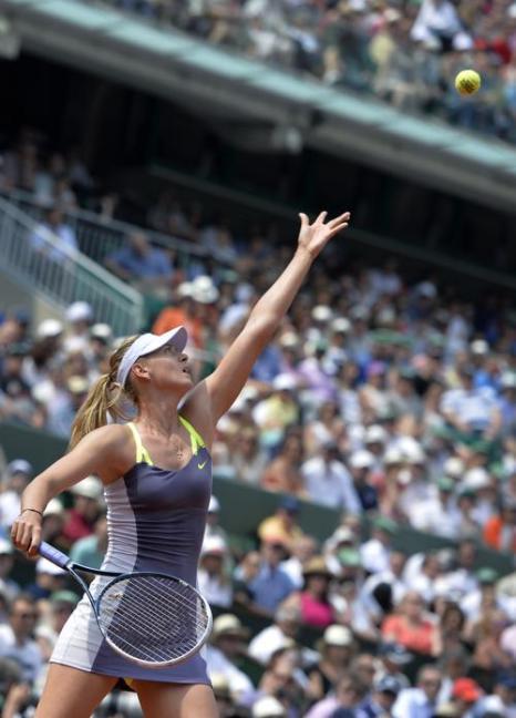 Серена Уильямс встретилась в финале Открытого чемпионата во Франции с Марией Шараповой и взяла главный трофей турнира. Фото: MIGUEL MEDINA/AFP/Getty Images