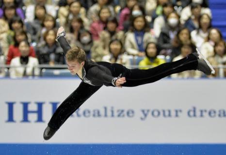 Максим Ковтун на командном Кубке мира в Токио. Фото: KAZUHIRO NOGI/AFP/Getty Images