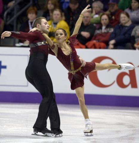 Вера Базарова и Юрий Ларионов на Чемпионате мира 15 марта 2013 года в Лондоне. Фото: BRENDAN SMIALOWSKI/AFP/Getty Images