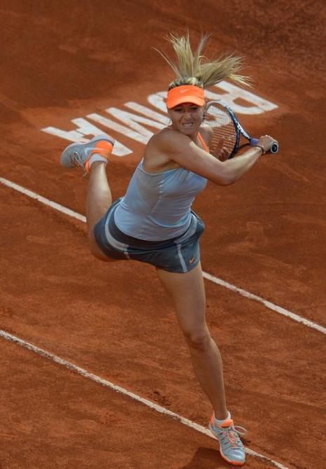 Мария Шарапова победила в матче с Слоан Стивенс и вышла в четвертьфинал турнира в Риме. Фото: ANDREAS SOLARO/AFP/Getty Images