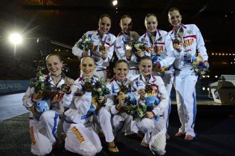 Синхронистки принесли России третье золото Чемпионата мира по водным видам спорта 22 июля 2013 года в испанской Барселоне. Фото: JAVIER SORIANO/AFP/Getty Images