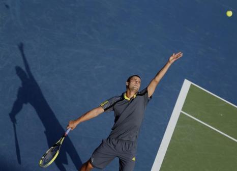 Михаил Южный стартовал в Дубае с победы. Фото: KARIM SAHIB/AFP/Getty Images
