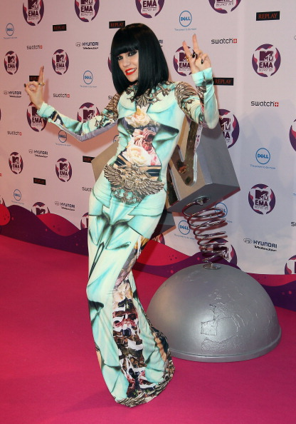 Красная дорожка MTV Europe Music Awards 2011. Фоторепортаж из Белфаста. Фото: Gareth Cattermole/Getty Images