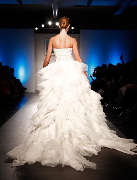 Свадебные платья из коллекции Seckin Ilker на неделе моды в Нью-Йорке. Фоторепортаж. Фото: Nolcha Fashion Week New York