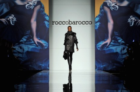 Пальто, пиджаки, брюки, юбки, платья из коллекции Roccobarocco осень-зима 2012/2013 на показе моды в Милане. Фоторепортаж. Фото: Tullio M. Puglia/Getty Images