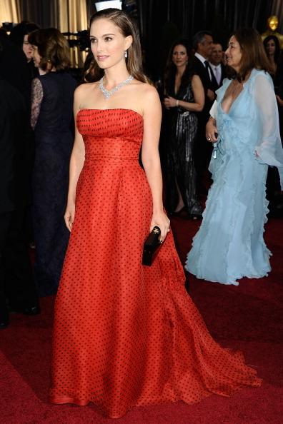 Натали Портман на церемонии Annual Academy Awards в Голливуде. Фоторепортаж. Фото: Kevork Djansezian/Getty Images