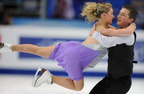 ЧМ по фигурному катанию.  Квалификационные соревнования пар. Фото:  ALEXANDER NEMENOV/YURI KADOBNOV/AFP/Getty Images