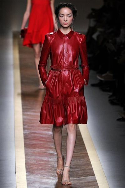 Модные наряды от Valentino на сезон весна-лето 2012. Фото с сайта fresher.ru