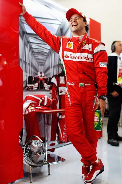 Во втором  свободном заезде «Формулы-1» победил  бразилец Фелипе Масса. Фоторепортаж с Гран-при Великобритании. Фото:  Mark Thompson/ Clive Mason/Getty Images