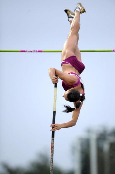Елена Исинбаева выиграла золото на соревнованиях KBC Nacht по прыжкам с шестом. Фото: YORICK JANSENS/AFP/Getty Images