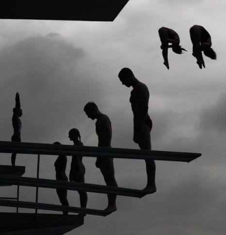Золотые медали  в синхронных прыжках в воду завоевали Цю Бо и Хо Лян. Фоторепортаж с чемпионата мира. Фото:  Feng Li/Adam Pretty/Getty Images