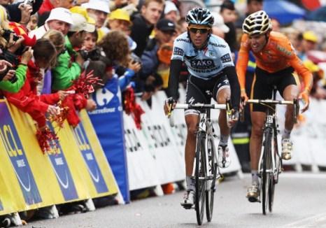 Шестнадцатый этап многодневной велогонки Tour de France выиграл норвежец Тур Хушовд. Фоторепортаж с трассы. Фото: Michael Steele/ JOEL SAGET /PASCAL PAVANI/AFP/Getty Images