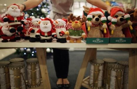 Фоторепортаж о выставке рождественских украшений в Лондоне. Фото:  Dan Kitwood/Getty Images