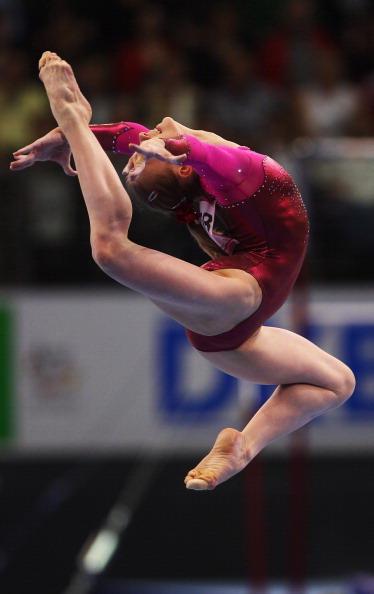 Анна Дементьева завоевала золотую медаль чемпионата Европы по спортивной гимнастике. Фоторепортаж. Фото: JOERN POLLEX, JOHN MACDOUGALL/Bongarts/Getty Images