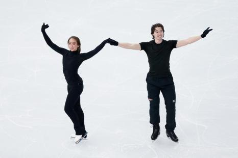 Чемпионы Японии по фигурному катанию Кэти Рид и Крис Рид провели 3 февраля первые тренировки в Сочи перед выступлением на зимних Олимпийских играх 2014. Фото: Matthew Stockman/Getty Images