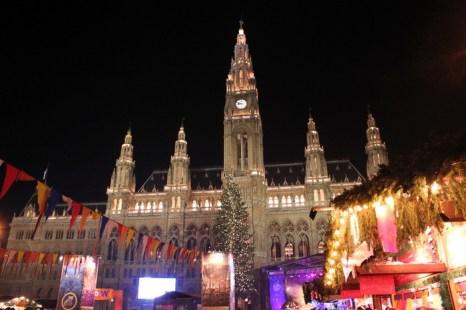 Венская Ратуша в дни Нового года. Фото: flickr