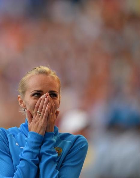 Россиянка Светлана Школина смогла взять высоту 2 метра 3 сантиметра, установив личный рекорд в карьере на чемпионате мира в московских «Лужниках» 17 августа 2013 года. Фото: ANTONIN THUILLIER/AFP/Getty Images