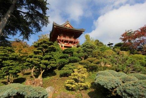 Японский чайный сад в Городском парке «Золотые ворота» в Сан-Франциско вляется одним из самых крупных городских парков в мире (на 20% больше нью-йоркского Центрального парка). Фото: David Garry/Photos.com
