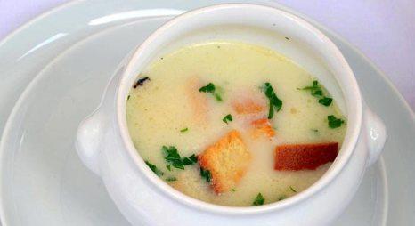 Суп с гренками. Фото: Silar/commons.wikimedia.org