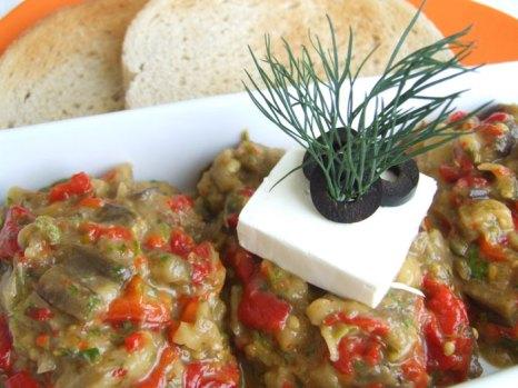 Болгарское домашнее блюдо Kyopolu - закуска, гарнир к мясу. Фото: Lazy Kangaroo/flickr.com
