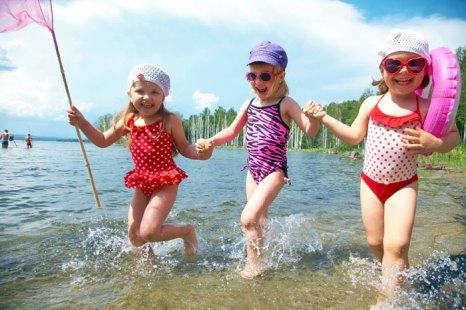 Не секрет, что планировать семейный отпуск с детьми на порядок сложнее, чем одному. И путешествие с ребенком, особенно с маленьким ребенком, не доставит вам неприятностей, и вы получите удовольствие, если подготовитесь к этому заранее и тщательно. Фото: YanLev/Photos.com
