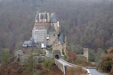 Замок Эльц – один из самых известных и красивых замков Германии, расположен в пышном лесу близ Кобленца. Фото: Philip Lange/Photos.com