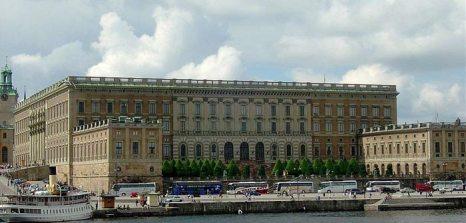 Стокгольмский королевский дворец — официальная резиденция шведских монархов на парадной набережной острова Стадхольмен в центре Стокгольма. Фото: Sixtiz/commons.wikimedia.org
