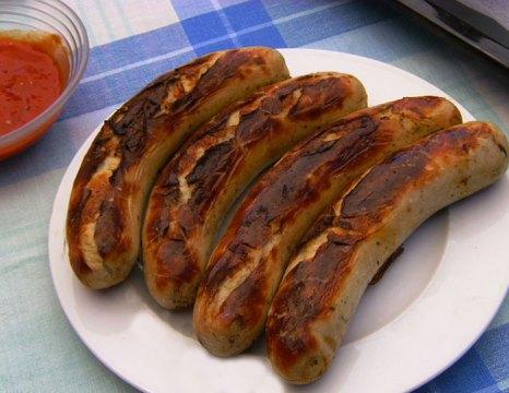 Жареные колбаски. Фото: Зенит/commons.wikimedia.org