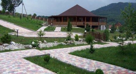 Шаян — село в Хустском районе Закарпатской области Украины. Здесь находится курорт «Шаян», где для лечения используются углекислые минеральные воды. Фото: Rnog/commons.wikimedia.org