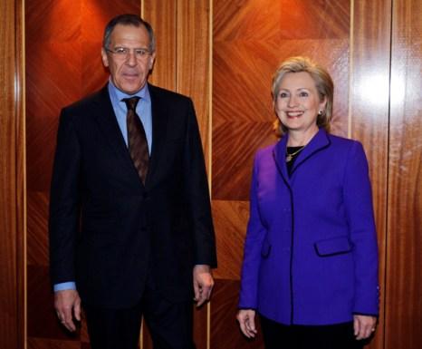 Министр иностранных дел России Сергей Лавров и американский госсекретарь Хиллари Клинтон.Фото: Lefteris Pitarakis - WPA Pool/Getty Images