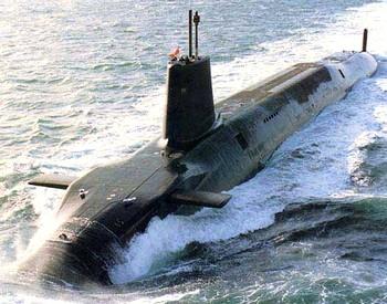На вооружении ВМС Великобритании стоит четыре атомных подлодки класса Vanguard. Каждая оснащена 16 баллистическими ракетами Trident. Фото с moole.ru