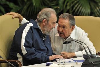 Рауль Кастро официально принял полномочия от брата Фиделя. Фото: ADALBERTO ROQUE/AFP/Getty Images