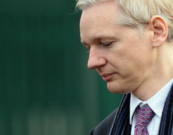 Джулиан Ассанж, основатель сайта Wikileaks решением лондонского суда будет экстрадирован в Швецию для предъявления обвинения в преступлениях сексуального характера. Фото: Dan Kitwood/Getty Images News