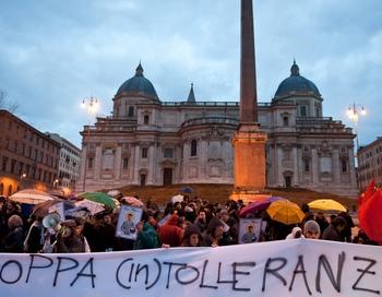 Протест анти-рассистов в Розарно. Фото: ANDREAS SOLARO/AFP/Getty Images