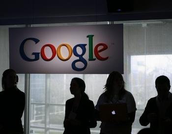 Продуманная и целевая атака на Gugle была произведена из Китая. Фото:  ROBERT GALBRAITH/AFP/Getty Images
