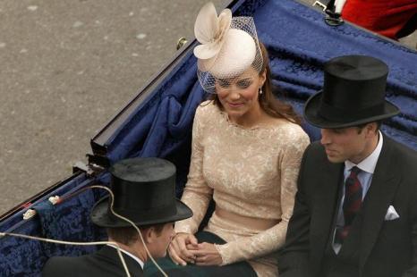Принц Уильям и Екатерина, герцогиня Кембриджская, в честь празднования бриллиантового юбилея королевы Елизаветы II приветствуют своих подданных. Фоторепортаж. Фото: Dan Kitwood/Getty Images
