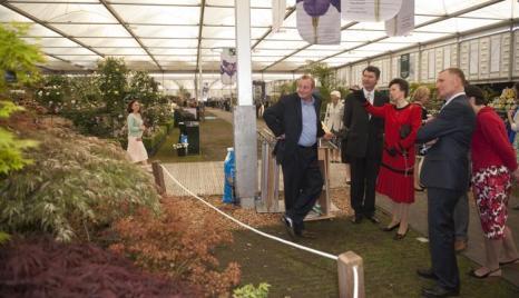 Члены британской королевской  семь вместе с королевой Елизаветой II посетили выставку цветов в королевском госпитале Челси. Фоторепортаж. Фото: Lefteris Pitarakis - WPA Pool /Getty Images